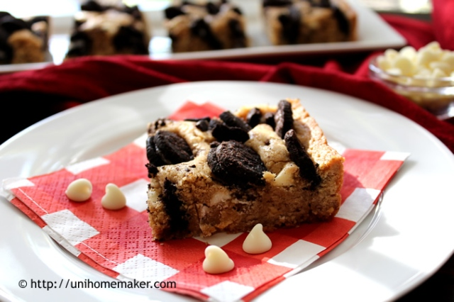 Oreo White Chocolate Chip Blondies
