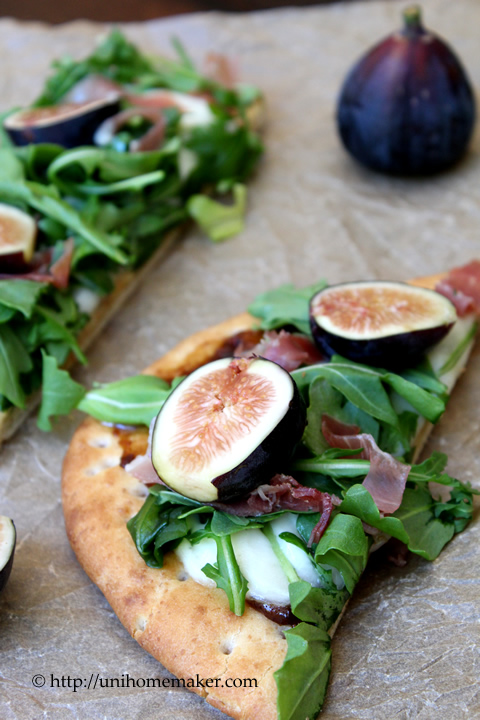 Fig Prosciutto and Arugula Flatbread Pizza