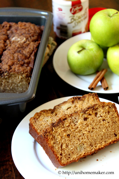 Apple Biscoff Streusel Bread
